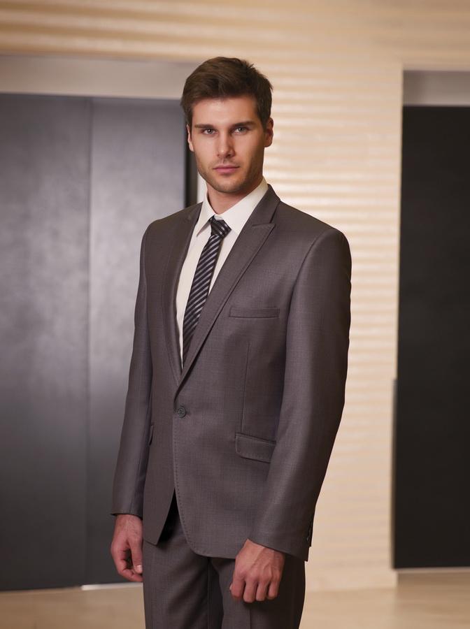 a15c5e995b Egyedi ballagási vagy esküvői öltöny Miskolc városában készíttethető ...