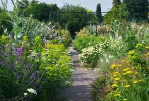 Díszítse kertjét térkővel