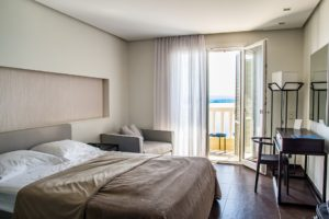 motelcalifornia.insta-hostel.com/